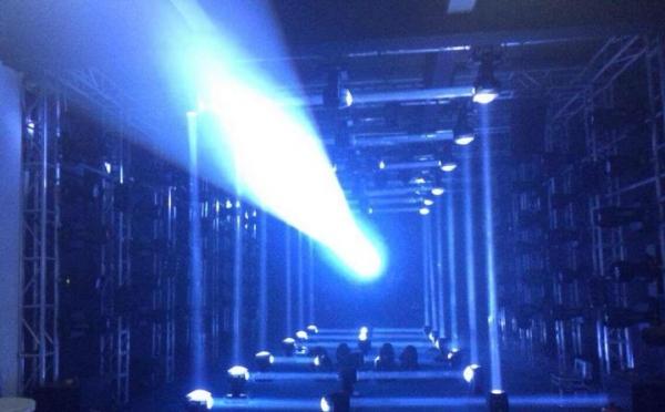 ANGLER特效设备辉耀锦路之雅锋灯光展厅